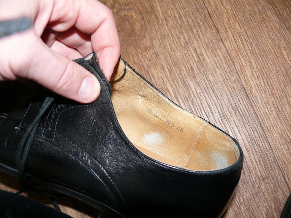 Внутри обуви кожа или