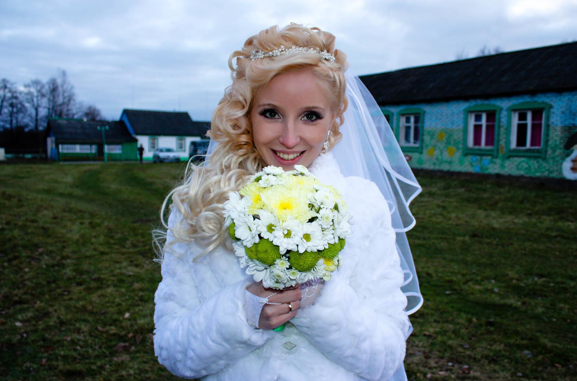 Самая красивая деревенская девушка 20 фотография